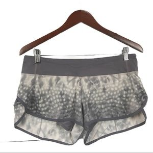 Lululemon Speed Shorts - Snowy Owl, Size 6